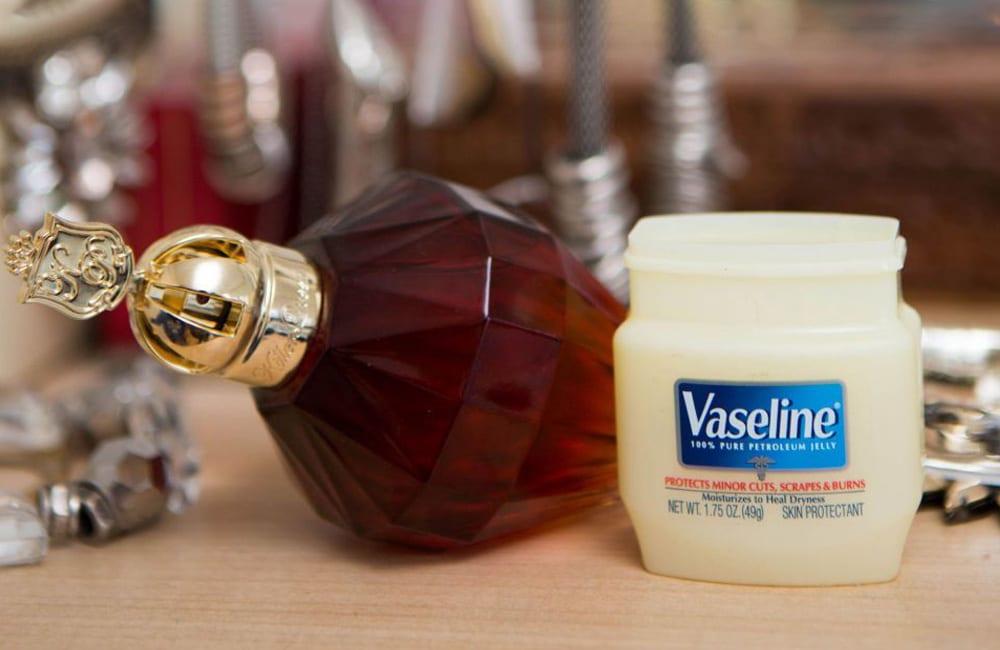 Vaseline for All-Day Scent @redbookmag / Pinterest.com
