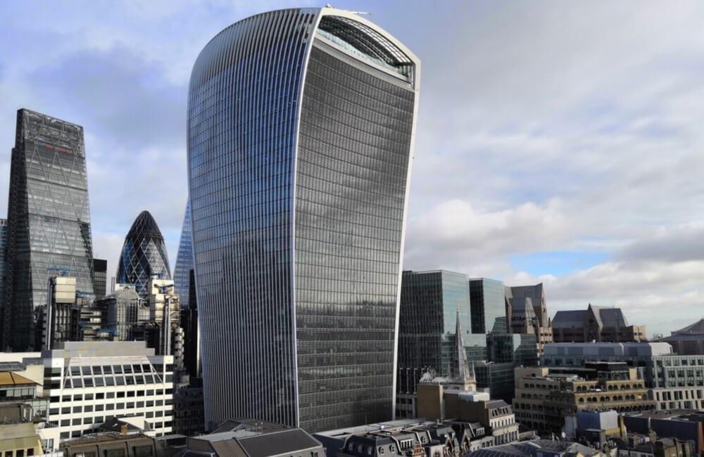 The Car-Melting Skyscraper @Alexandra Cortes Pace / Shutterstock.com