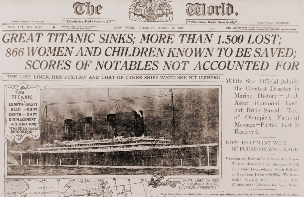The Sinking of the Titanic @Everett Collection / Shutterstock.com