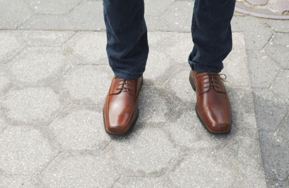 Square Toed Shoes @GQ / Youtube.com