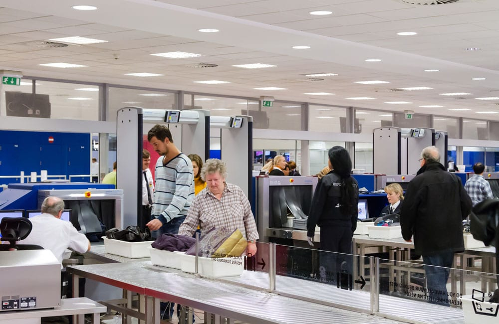 When entering the security check, head to the left checkpoint © Milosz Maslanka / Shutterstock.com