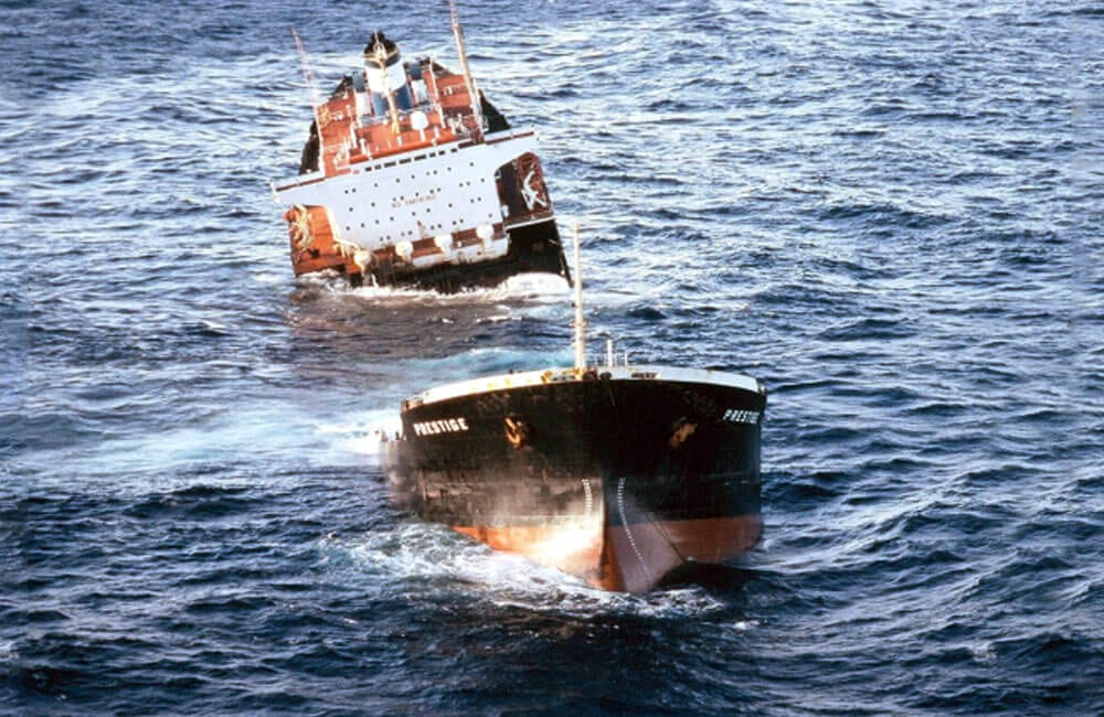 The Sinking of the Prestige off the Coast of Spain @shippingwrecks / Facebook.com