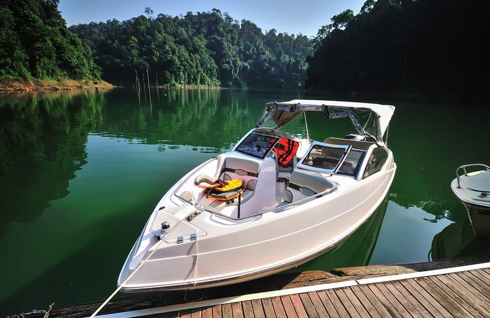 Boats © IZZ HAZEL / Shutterstock.com
