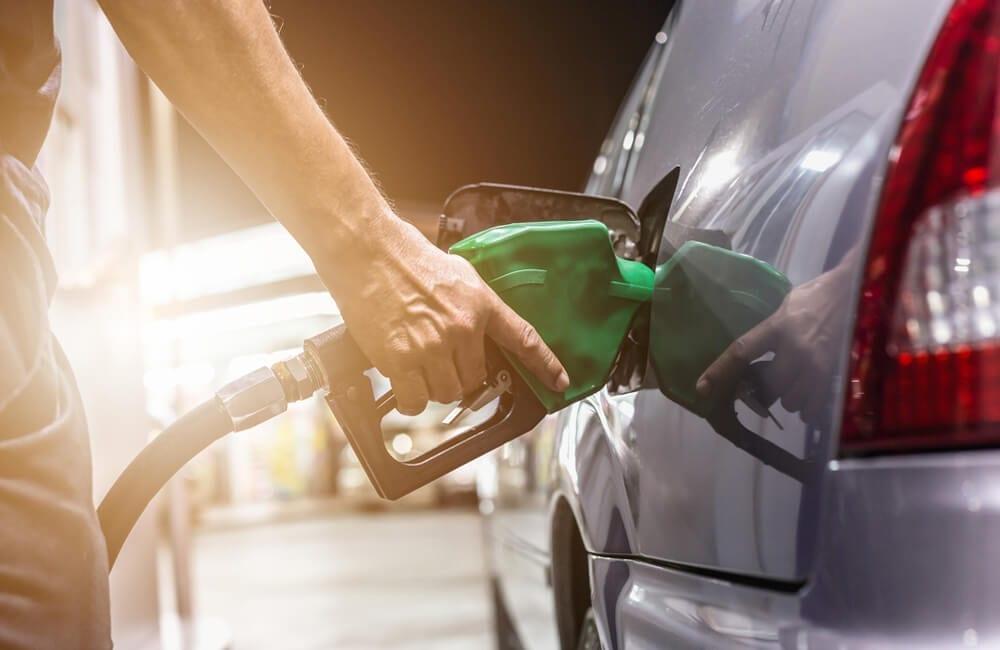 Gasoline © Nakun / Shutterstock.com