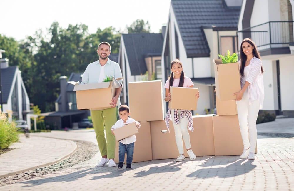 Homes © Roman Samborskyi / Shutterstock.com