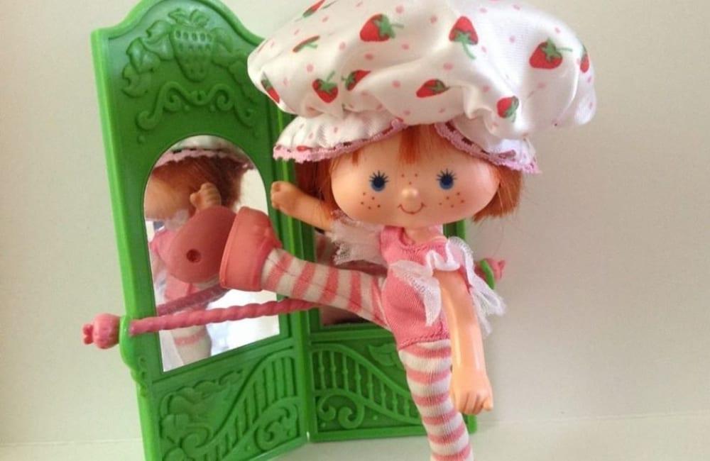 Strawberry Shortcake @The Strawberry Shortcake Block on Yardsellr / Facebook.com
