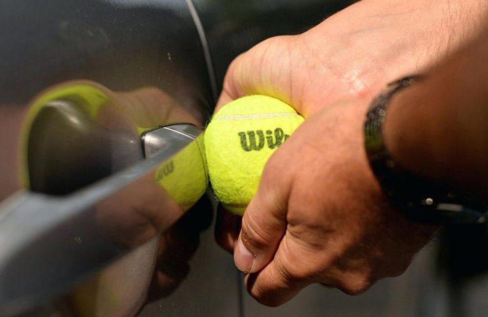 Use Tennis Ball To Unlock Car Door @marlievez / Pinterest.com