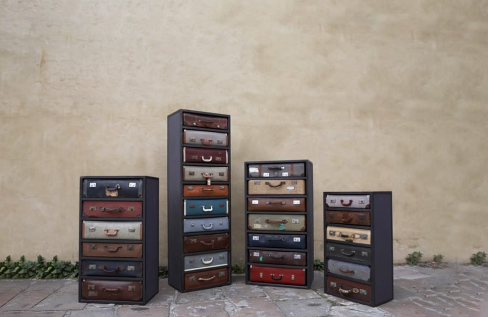 Old Suitecases Into Dressers @ theladyatno34 / Pinterest.com