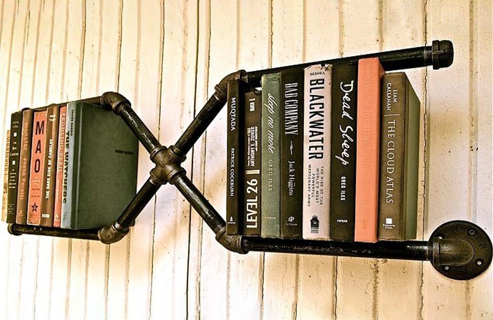 Piping Into Bookshelf @dekorle / Pinterest.com