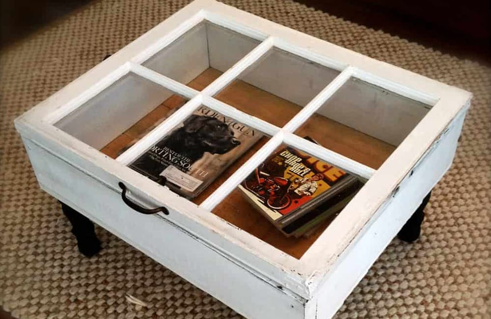Window Into Table @indulgyworld / Pinterest.com