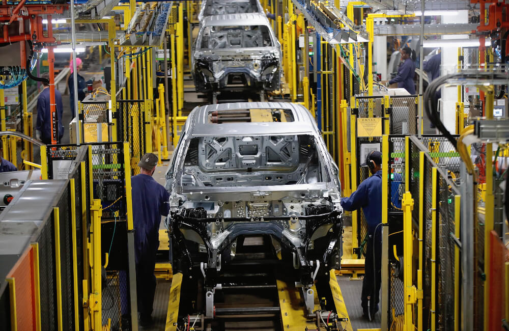 Ford Assembly Line @Scott Olson / Getty Images