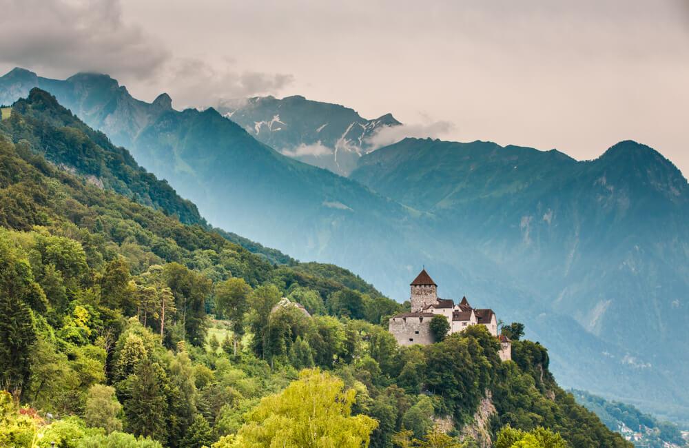Vaduz castle and Alps, Lichtenstein ©Vit Kovalcik/Shutterstock.com