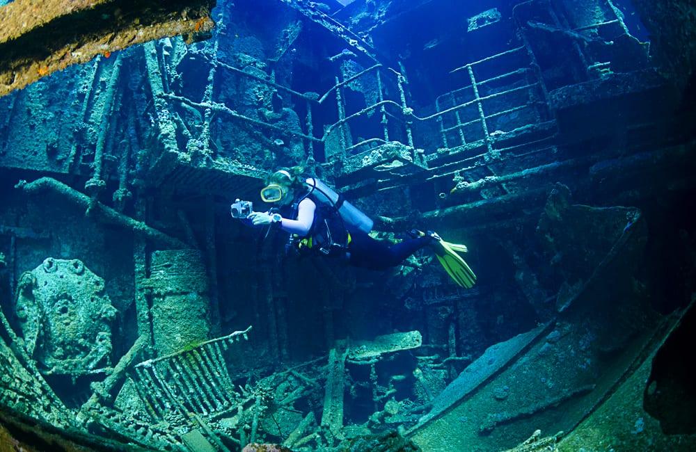 Shipwreck @Levent Konuk / Shutterstock.com