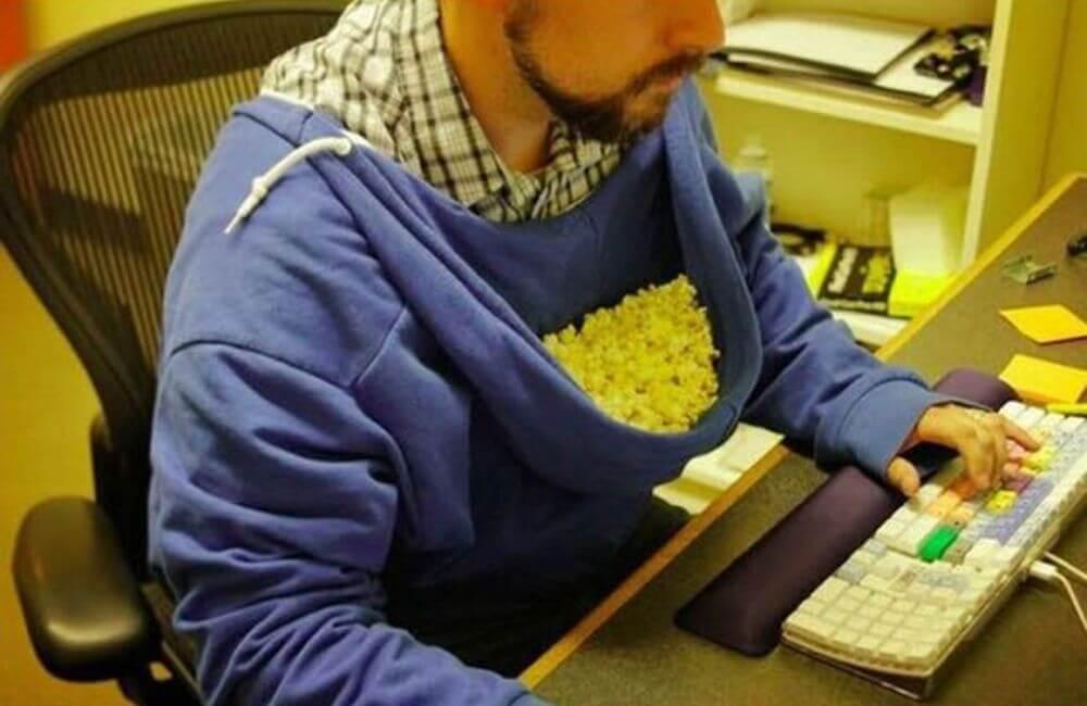 Popcorn Hoodie @TanishBaansal/Imgur
