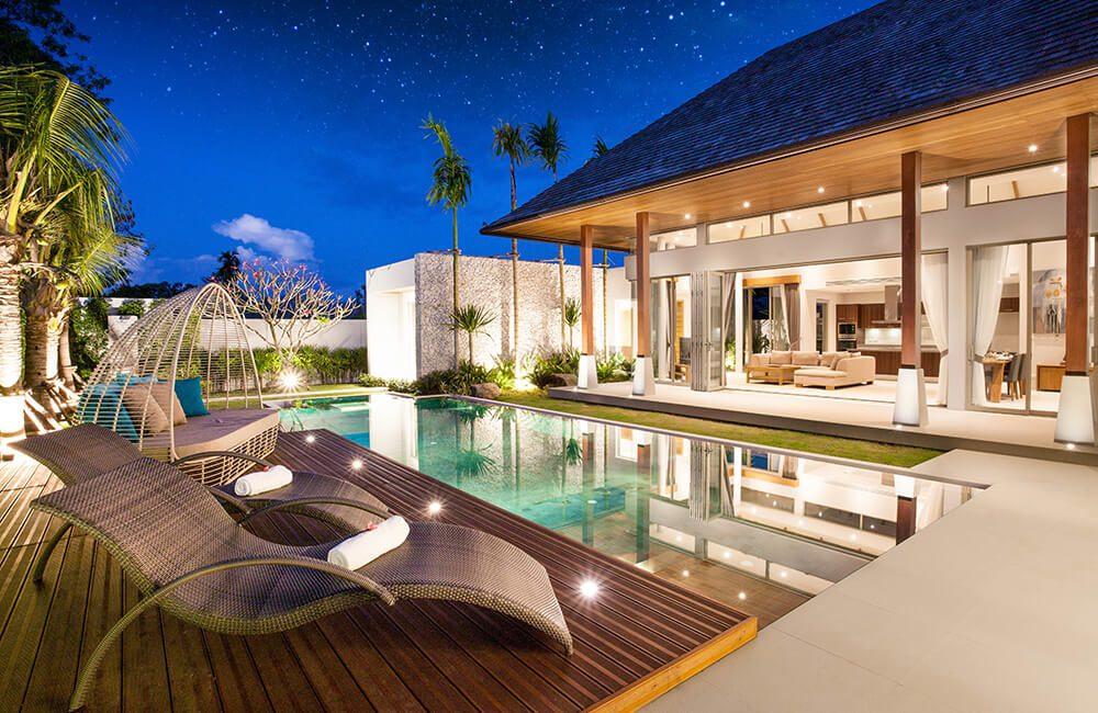 Expensive Hotel @stock_SK / Shutterstock.com
